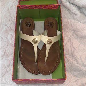 Tory Burch - Cameron Thong - Patent Calf sandals